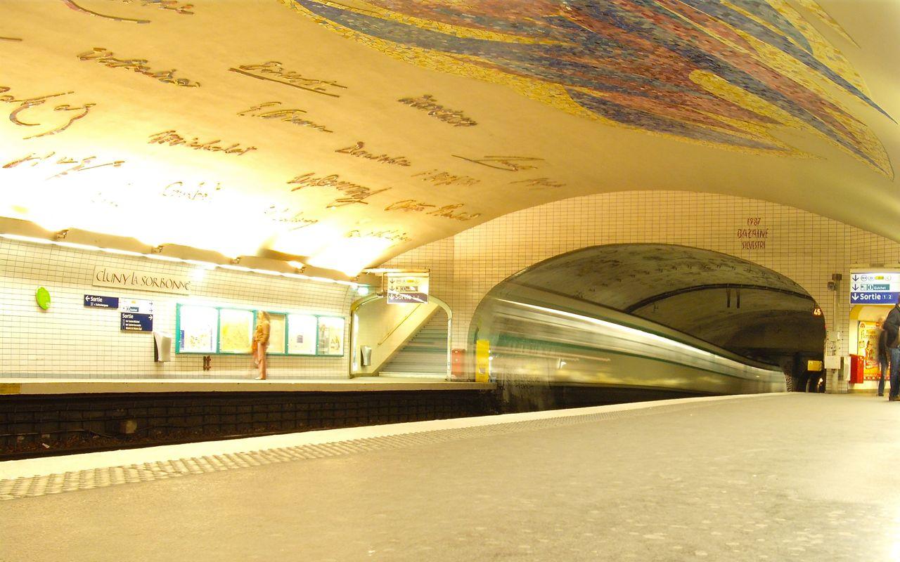 Cluny La Sorbonne Métro Station 1