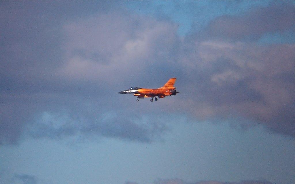 F-16 at Leuchars Air Show 2010