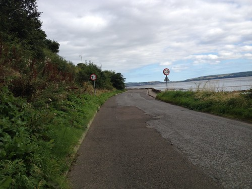 Approaching Invergowrie