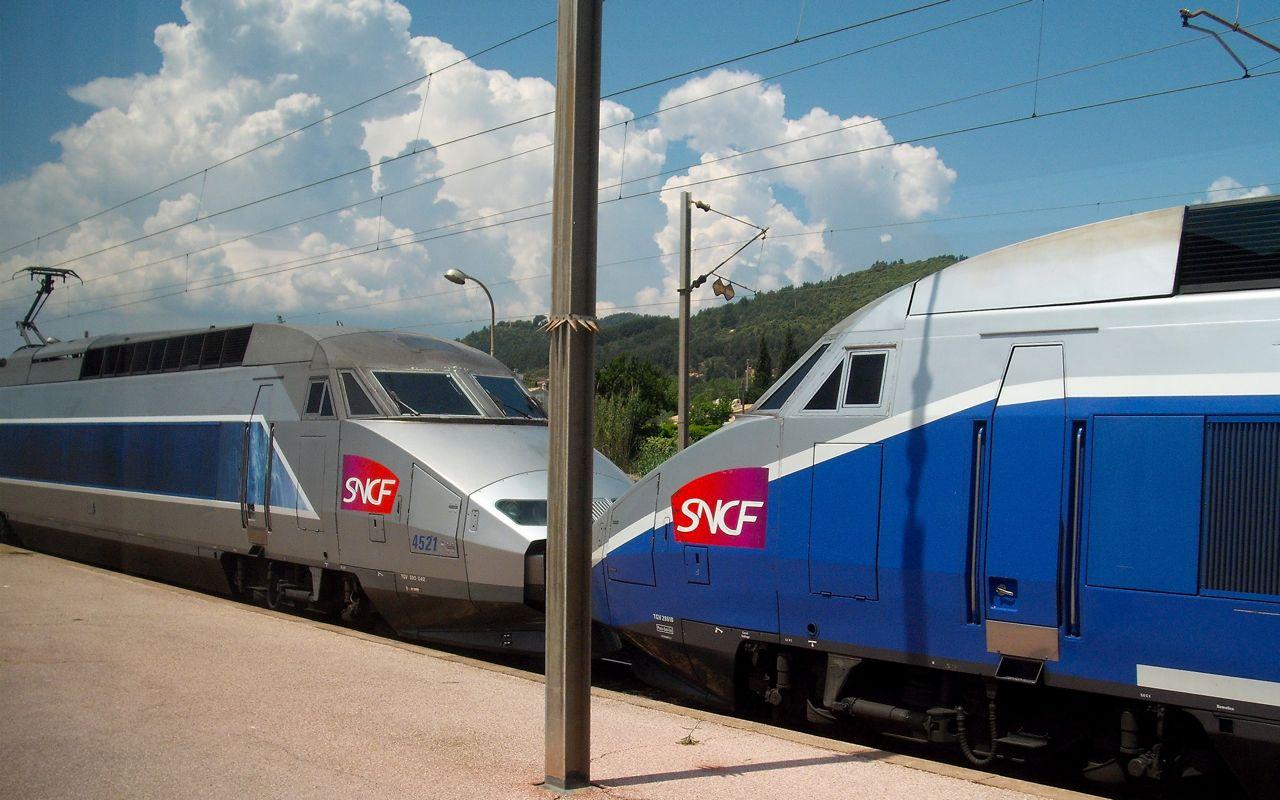 2 TGVs